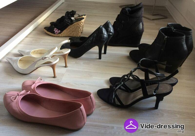 Luminaires Dressing Et Photo Femme Vide Du Chaussures wzqwXx1g